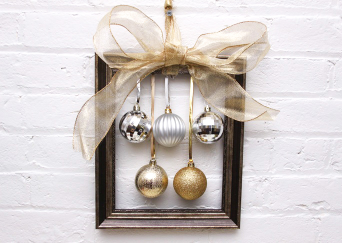 DIY Christmas Wreath Alternative - Ornament Frames