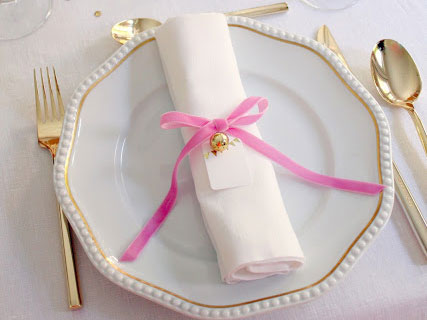 pink and gold holiday decor