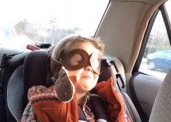 [VIDEO] Incredibly Touching Video Shows 4 Year Old Moved to Tears By Music