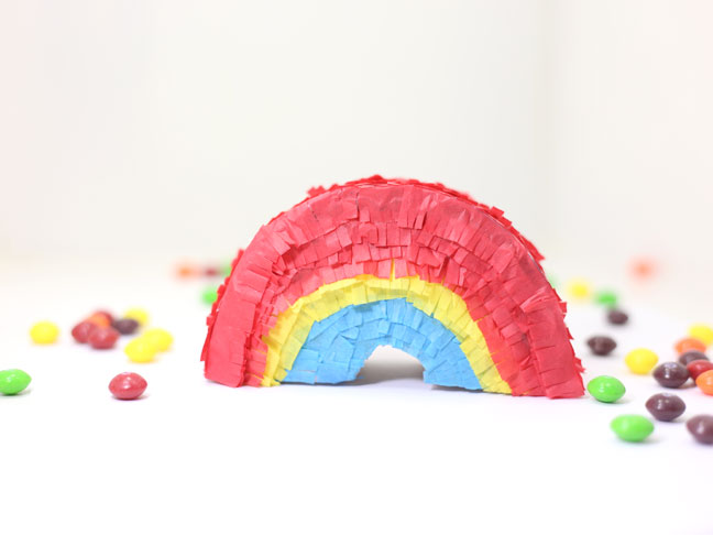 Mini Rainbow Piñata
