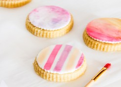 DIY Watercolor Cookies for Mother's Day