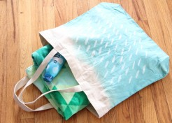 DIY: Hand Painted Tote Bags for Summer