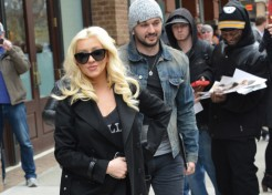 "Christina Aguilera: My Second Pregnancy is ""Very Easy"""
