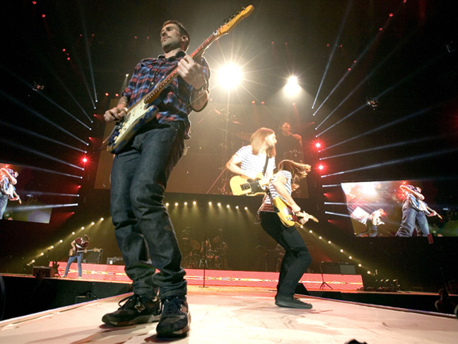 maroon5live_sized