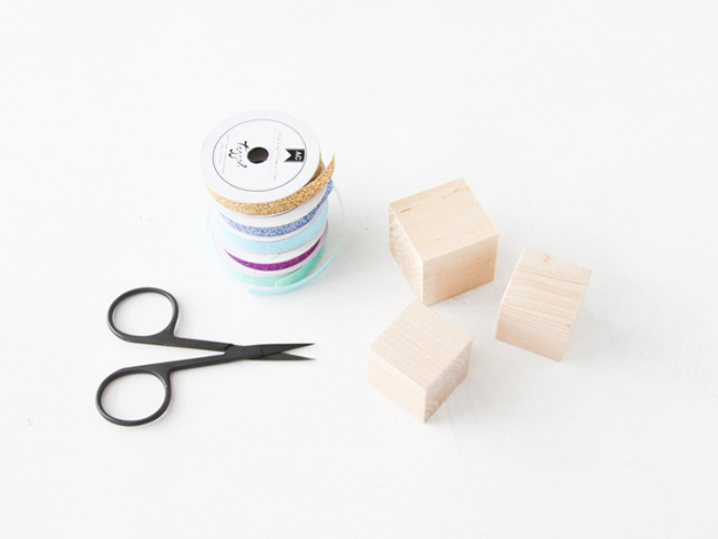Supplies for No-Mess Glitter Building Blocks