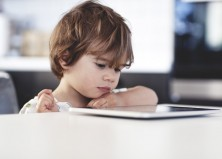 7 Top Apps for Teaching Your Child to Read