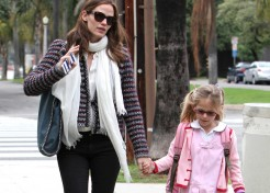 7 Ways Celebrity Moms Aren't 'Just Like Us'