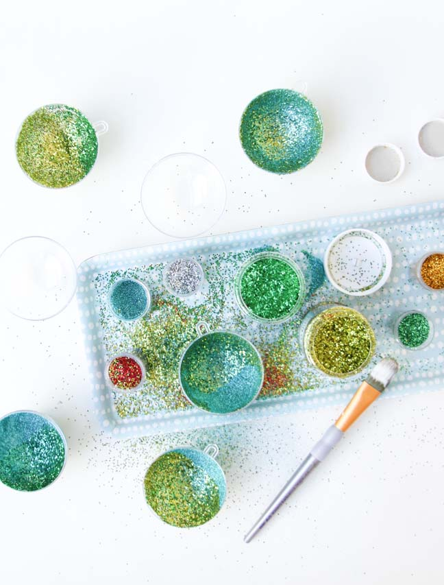 DIY Ornament // No Mess Glitter Project