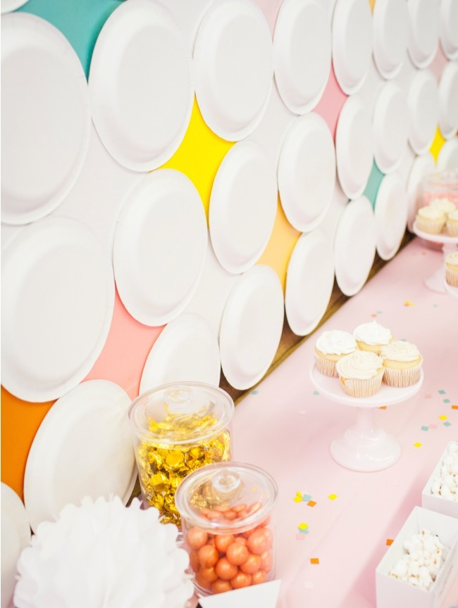 DIY Mod Diamond Paper Plate Backdrop | Shauna Younge for Mumtastic (images: Sydnee Bickett)