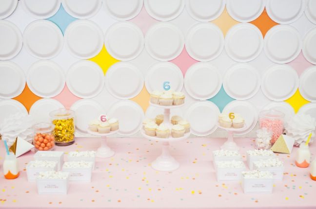 DIY Mod Diamond Paper Plate Backdrop | Shauna Younge for Momtastic