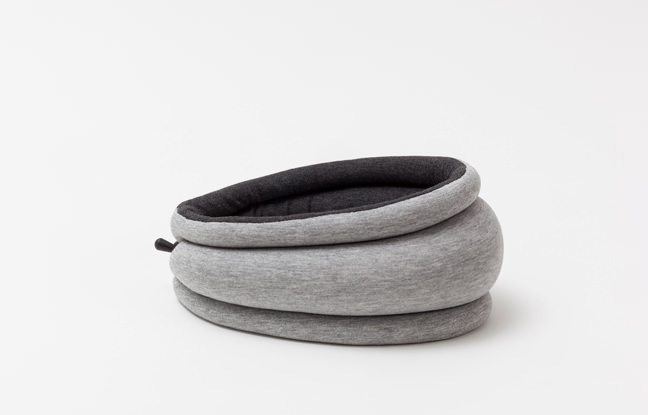 ostrichpillow-light-reversible_studio-banana-things_01
