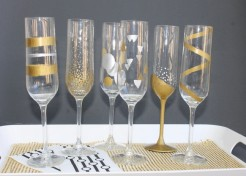 Easy DIY New Year's Eve Hand Painted Champagne Flutes