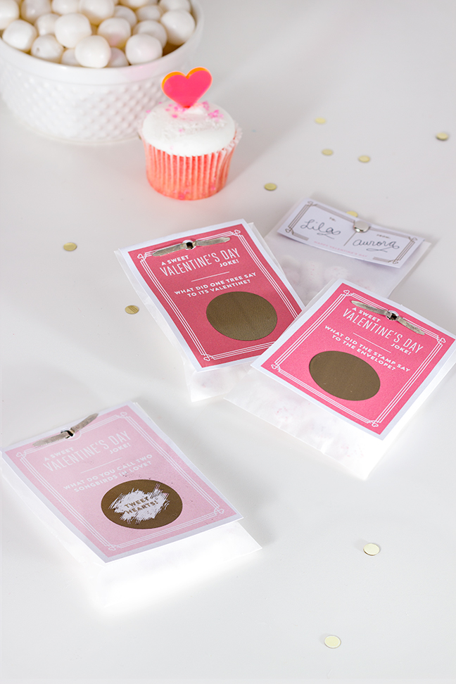 DIY Scratch Off Classroom Valentines by Splendid Supply Co. for Momtastic