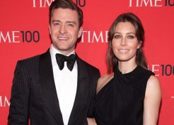 Jessica Biel & Justin Timberlake Confirm Pregnancy, Share Bump Photo