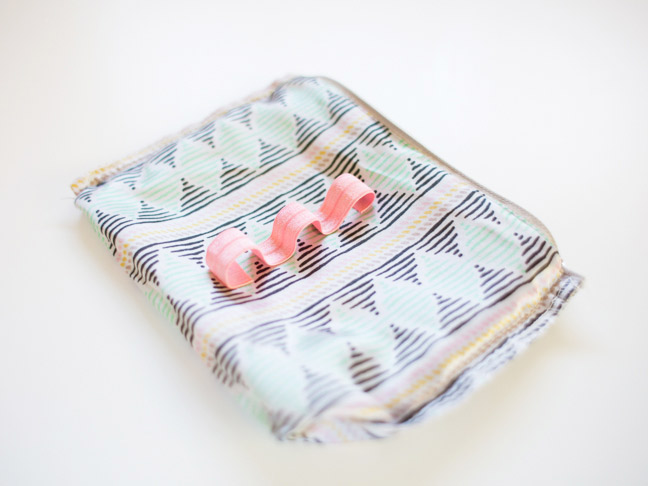 makeup-bag-pink-elastic-loops