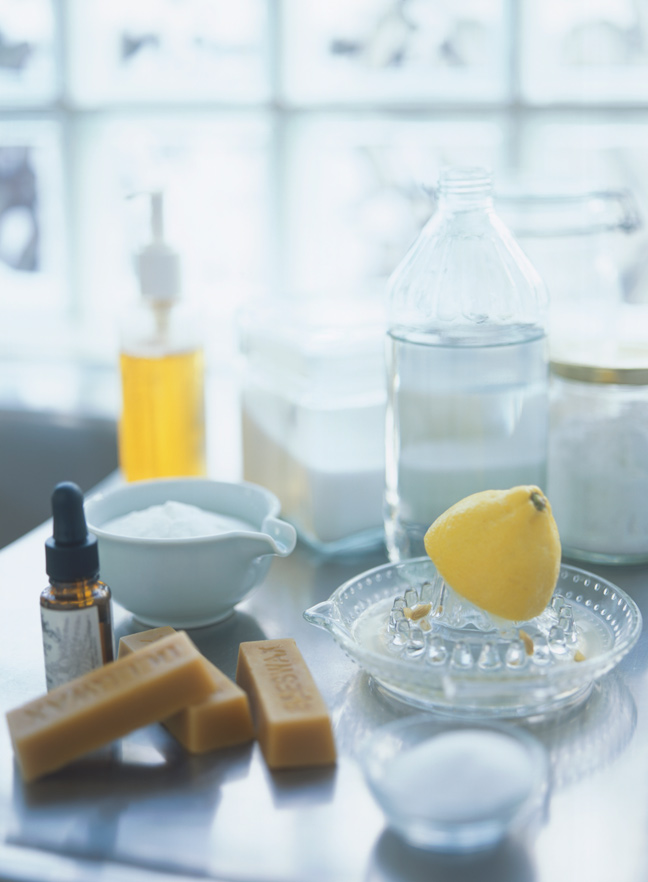 Making all-natural house cleaner with lemon