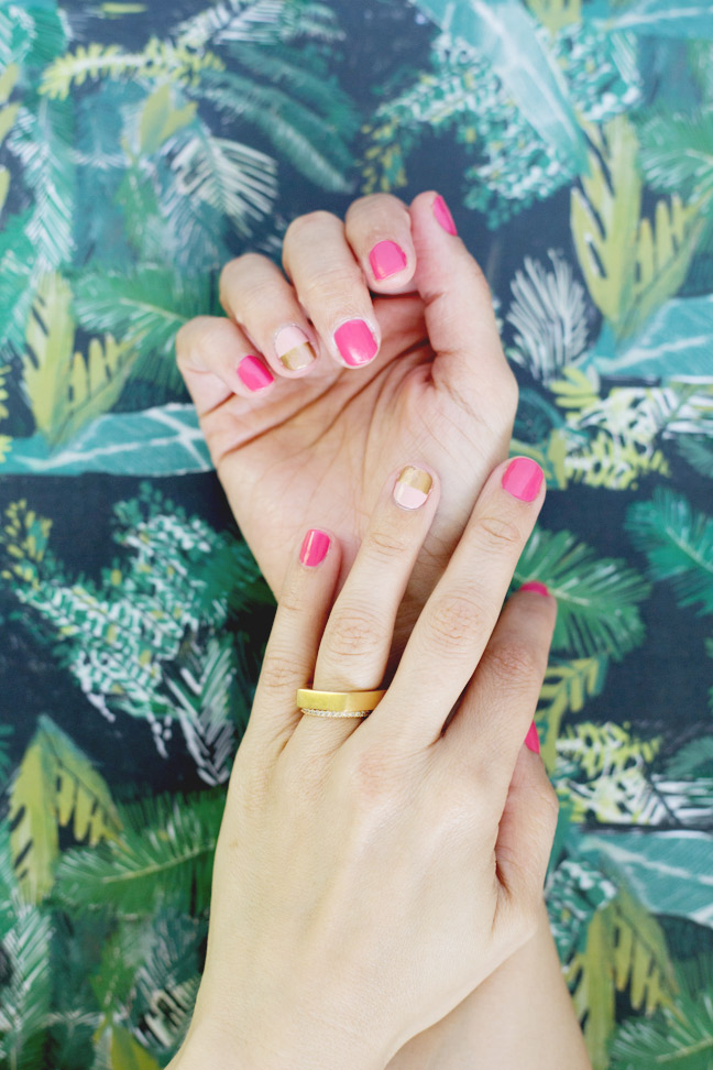 two-tone-mani-two-hands-gold-rings