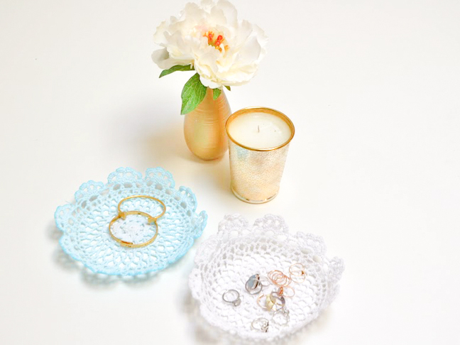 diy-doily-jewelry-holder-tutorial-04