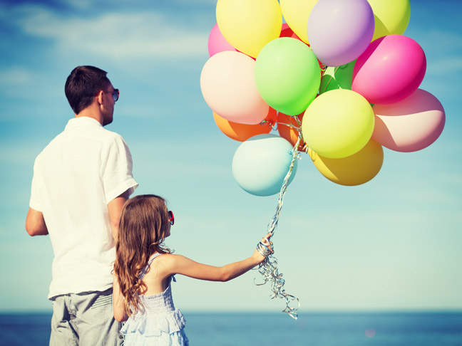 father-and-daughter-with-balloons