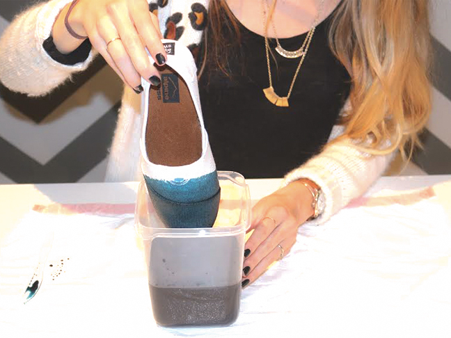 how-to-dye-sneakers-dipping