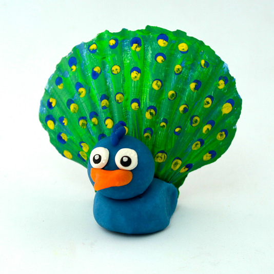 15-seashell-crafts-summer-10-peacock