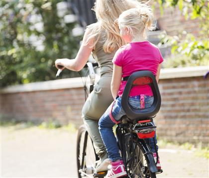 4 Bike Seats Amp Trailers For Kids Who Are Too Young To Bike