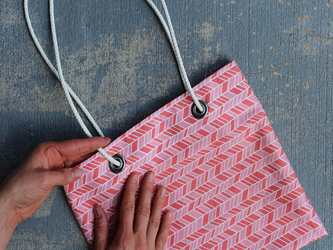 DIY.. Beach Bag With Cord Straps