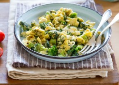 Cheesy Broccoli and Kale Egg Scramble Recipe