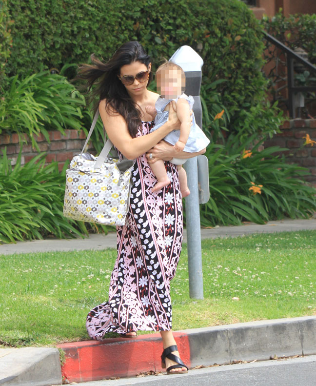 Jenna Dewan-Tatum and Daughter Cross The Street