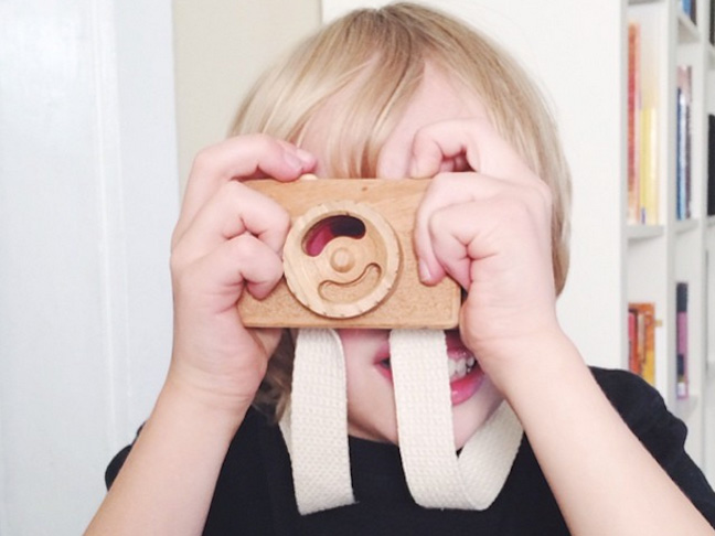 wooden-camera-for-children