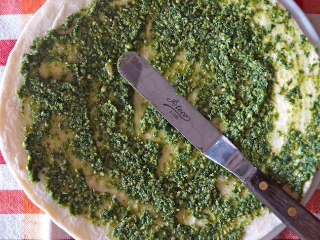 pesto-tortilla-spreader