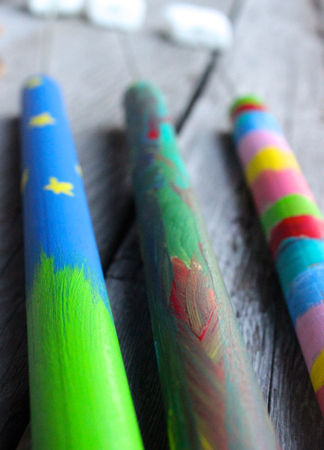 diy-marshmallow-roasting-sticks-smore-rainbow-paint-kids-diy-project