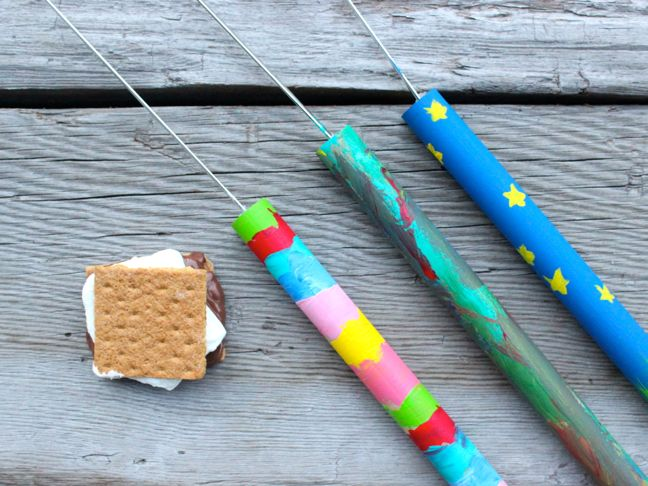 diy-marshmallow-roasting-sticks-paint-kids-art-project-smore-treat