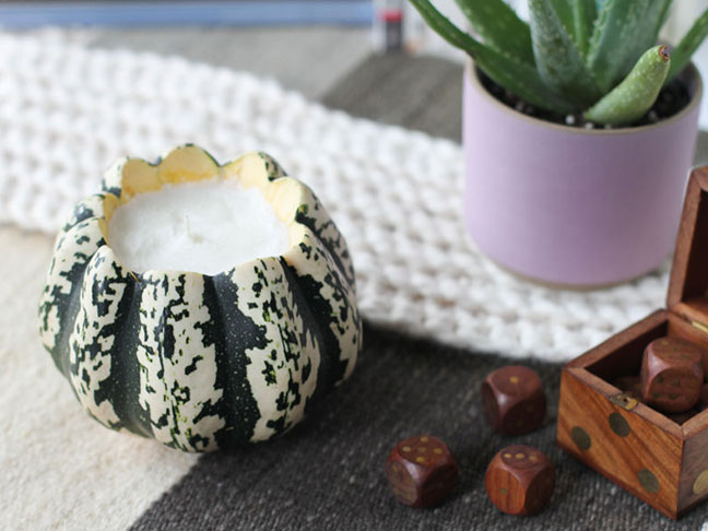 DIY // Scented Pumpkin Soy Candles for Fall