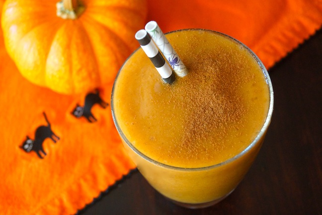 pumpkin-orange-black-smoothie-straws-stripes-spiders