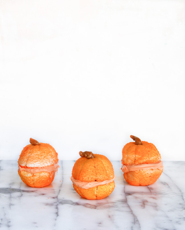 DIY Mini Pumpin Cakes for Fall
