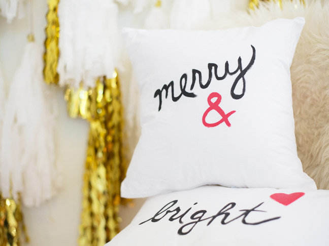 pottery-barn-inspired-painted-holiday-pillows4