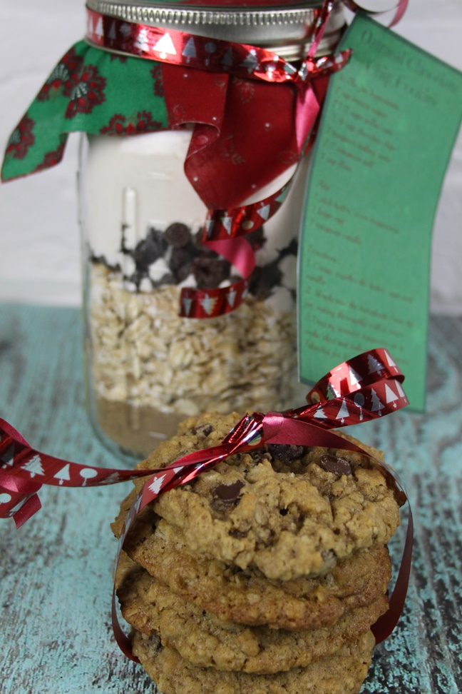 Oatmeal Chocolate Chip Cookies In a Jar Recipe
