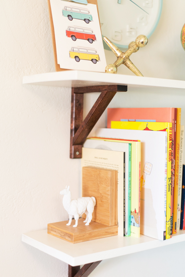 diy-baby-nursery-shelves2