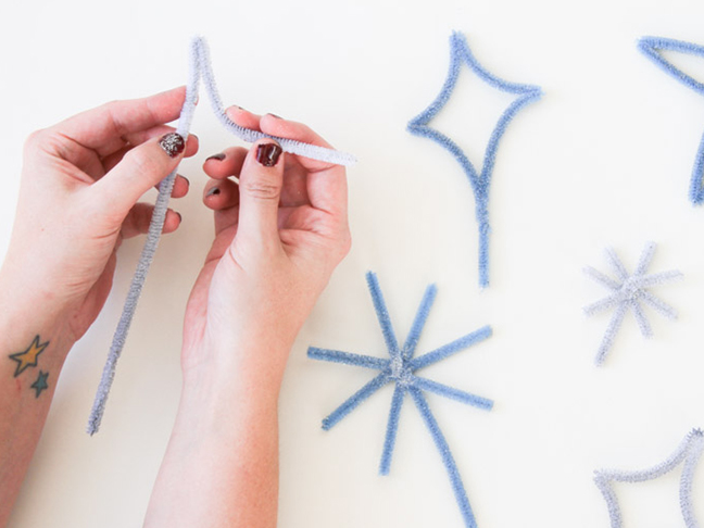 How to Make a Starburst Cake Topper