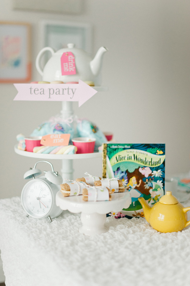 tea-party-alice