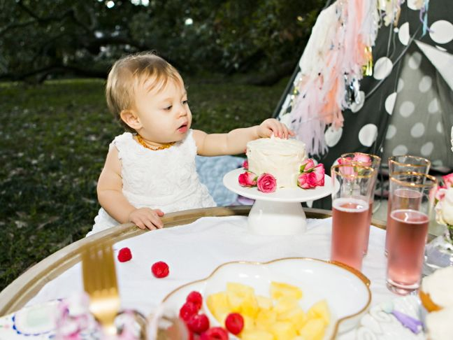 baby-cake-birthday-fruit-champagne-pink-white-gold-party