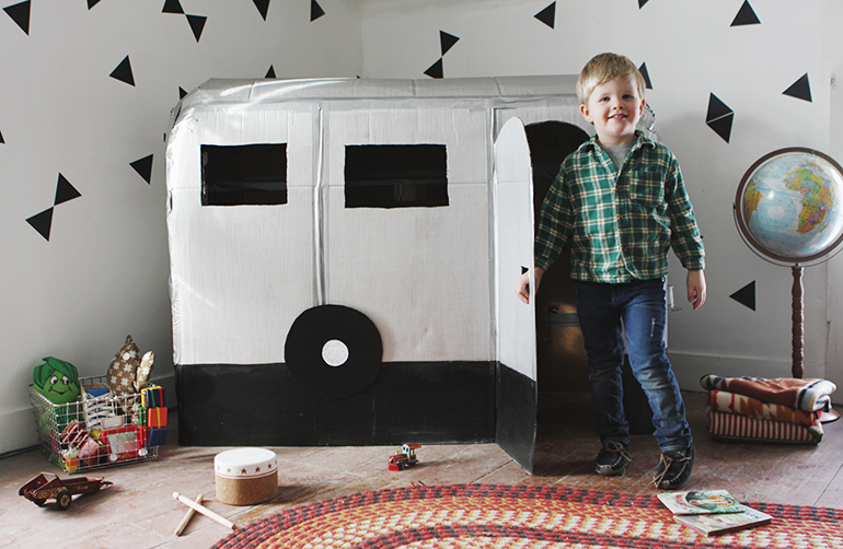 diy-cardboard-crafts-kids-6-camper-airstream-playhouse