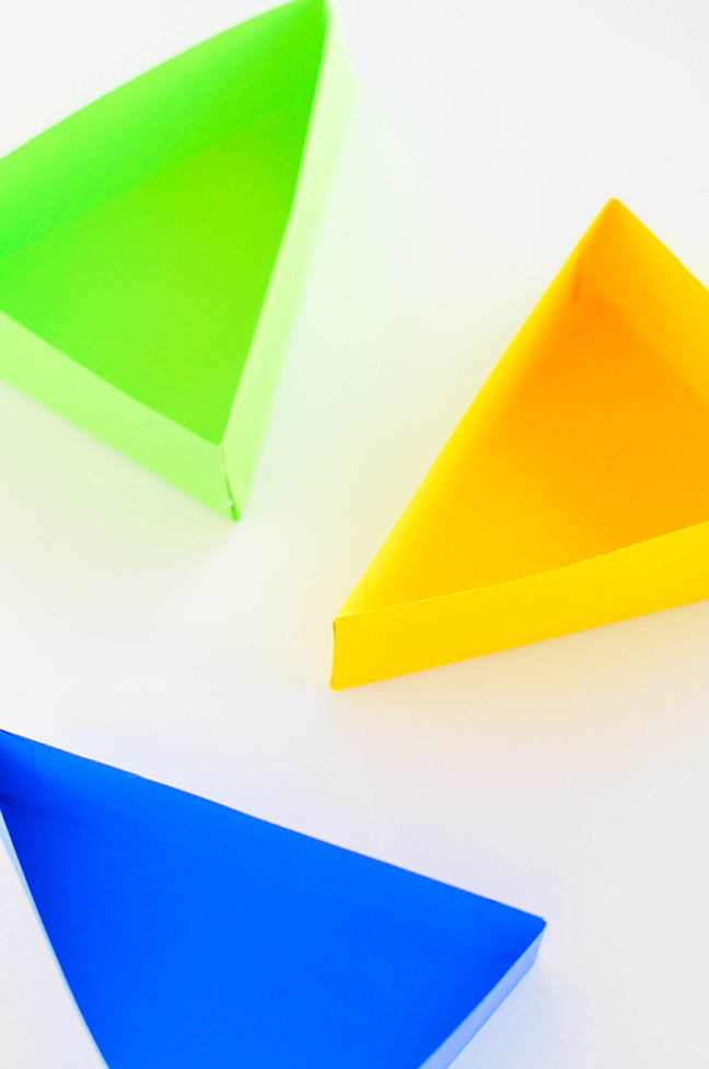 bright paper triangle boxes