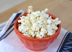How to Make Zesty Herbed Popcorn at Home