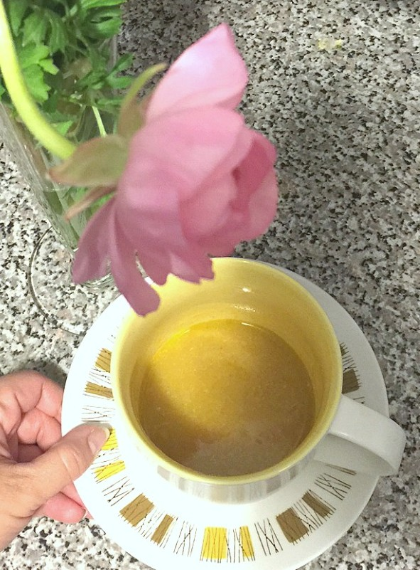 veggie puree in coffee cup
