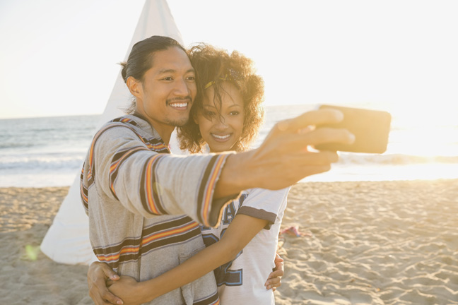 selfe-on-beach-married-couple
