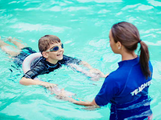 21 things every mum knows about swim lessons for Swimming pool lessons for kids