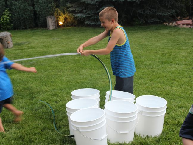 summer-games-bucket-ball-outdoor-family-hose-water
