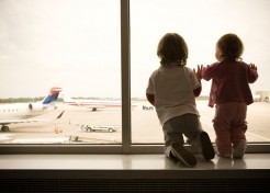5 Easy Ways To Help Your Kid Overcome Jet Lag